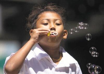 Pretty Bubbles in the Air